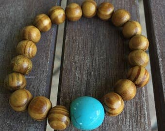 Wooden Beaded Bracelet with Turquoise Beaded / Free shipping / made with stretch cord