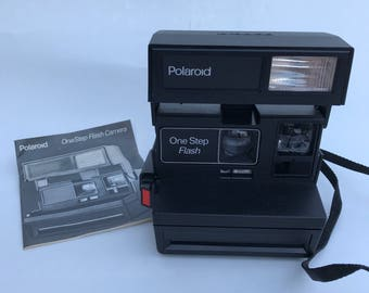 Vintage Polaroid OneStep Flash Instant Film Camera 600 Film 1980s 1990s TESTED Working Condition