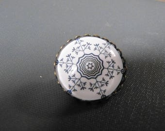 Brooch flower cabochon