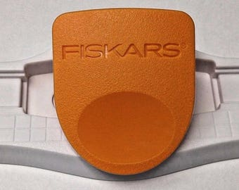Fiskars 01-005991 Interchangeable Border Punch Base With Lever