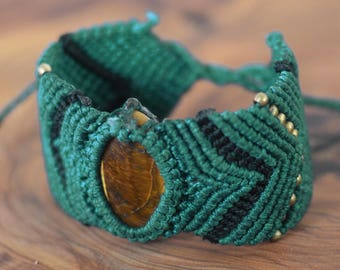 Macrame Bracelet with Tiger Eye Stone