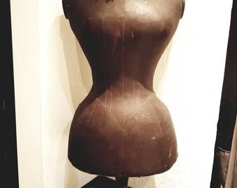 Antique table Bust Tablebuste mannequin dummy wasp waist wasp waist shabby