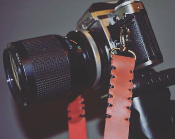 leather camera strap with quick realease snaps , FREE SHIPPING , camera strap,slr , dslr , canon camera strap , photographer gift