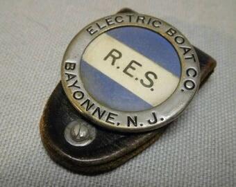 U.S. WW2 Electric Boat Company NJ Badge  *flu1545