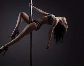 Carmen Rox - Pole Dancer