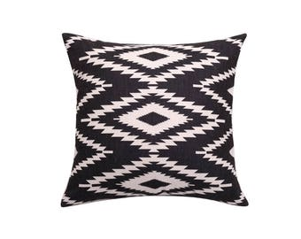 Aztec decorative pillow covers Tribal throw pillow covers Navajo pillow cases Geometric cushion case Ethnic pillow cases Home decor 18x18