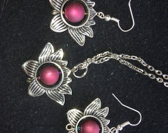 Silver lotus flower necklace and earrings set