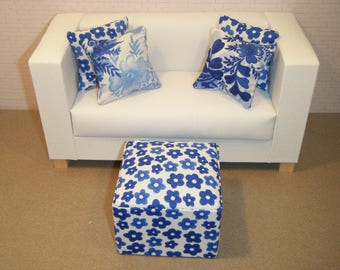 1:6 Scale Furniture Pouf and 4 Pillows - Barbie Momoko Blythe Pullip Fashion Dolls - Living Room Diorama - Wedgewood Blue