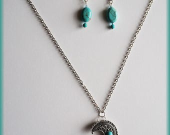Blue beads and moon set