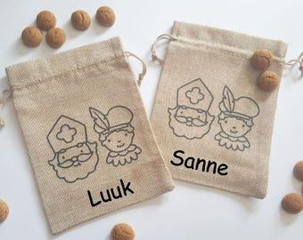 Pepernoten bag-Sinterklaas-party-kids-zwarte piet-gingerbread cookies-handing out-5 december-bag-jute-sprinkle good-Saint