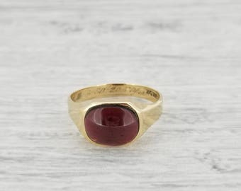 Yellow gold Almandine ring