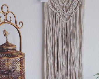 SHOWROOM MAS - Unique hanging macrame Decoration.