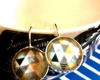 Handmade geometric pattern cabochon earrings- 16mm