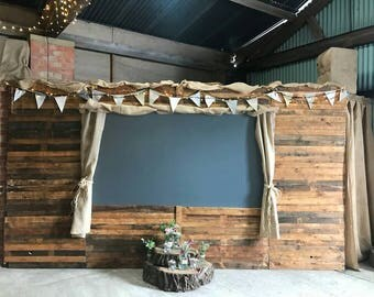 Wooden planks wall cladding