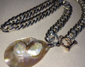 Silver-plated chain and pendant with saltwater Blisterperle.Mabe Pearl. UNIQUE!