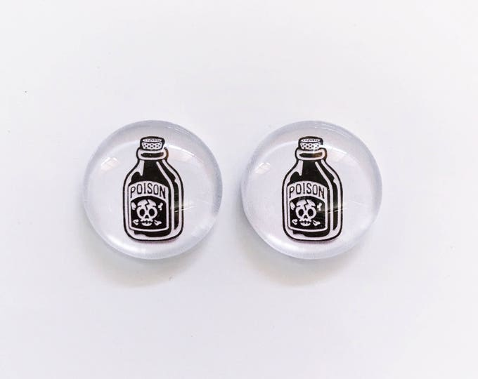 The 'Poison' Glass Earring Studs