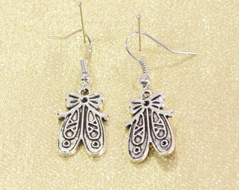 Earring silver liner