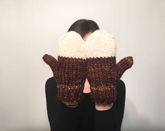 Chunky Knit Wool Mittens // Two Colored Winter Mittens
