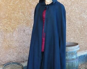 Cape longue noire avec capuche bordée de dentelle ou galon style médiévale féerique   Cape Diem