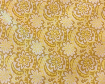 1970s flower power yellow daisy jersey knit fabric