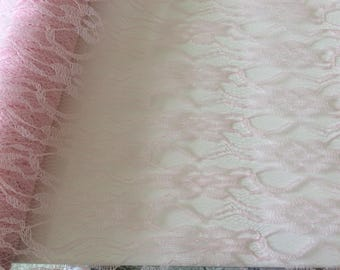 Table lace 30/300 cm pink