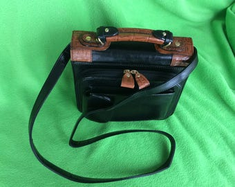 A Place for EVERYTHING   Belle Rose Handbag Purse
