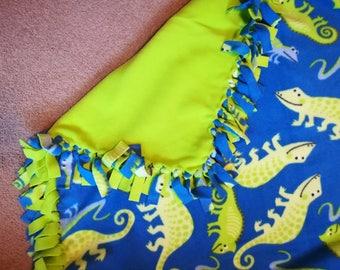 Fleece lizard blanket