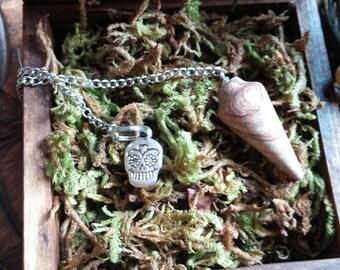 Skull Charm Pendulum, Spiritual Healing Pendulum, Divination Tool,  Energy Healing, Healing Dowsing Energy, Chakra Healing
