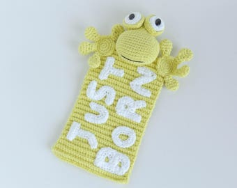 Frog amigurumi doudou blanket for newborns