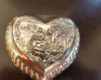 Beautiful Vintage Heart Trinket/Pill Box. with a Minstrel and a Lady Decoration.