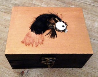 Box copper black painted wood by hand with fish in feathers