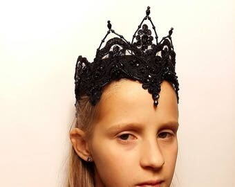 Evil Queen Lace Crown,Headpiece,Tiara,Headband,Black Lace Fascinator,Halloween Costume,Gothic Halloween Crown,Adult Party Hat,Witch crown
