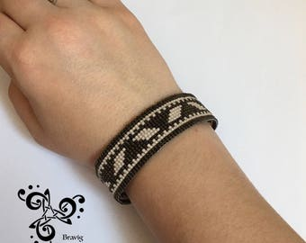 Black and champagne Bracelet made with Miyuki beads - Loom technic -
