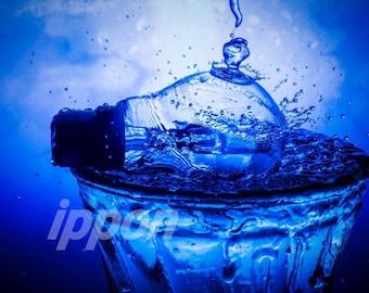 Water splash lightbulb