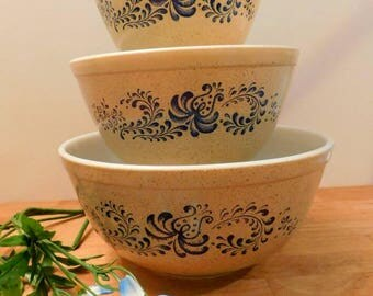 PYREX  Homestead pattern  three bowl baking set set 1970s SHIPPING INCLUDED