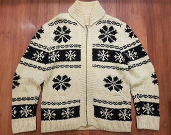 Vintage Cowichan Cardigan Sweater, Beaticul Snowflake Pattern, Size Mens XL