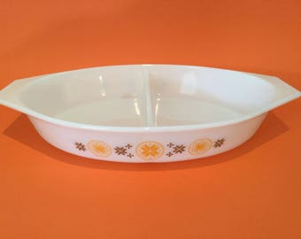 Vintage Pyrex 'Town & Country' Divided Dish