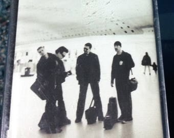 U2 - All That You Can't Leave Behind audio cassette tape