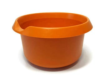 Harvest Orange Tupperware Mixing Bowl with Pour Spout Vintage 3 litres 12.5 cups Made in Canada