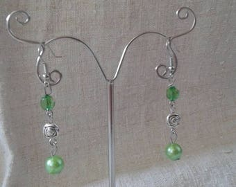 Green earrings and Silver flower