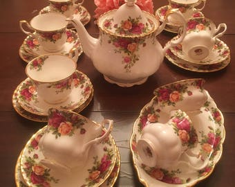 All England Royal Albert Old Country Roses Tea Set for Six Excellent Vintage with XL Teapot 24 Pieces Free Shipping USA