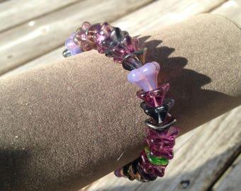 Purple flower glass beaded stretchy bracelet