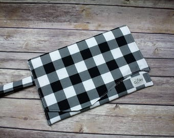 Buffalo Plaid Diaper Clutch | Buffalo Check | Black and White Plaid | Nappy Clutch | Diaper Wristlet | Diaper Bag Organizer | Gender Neutral