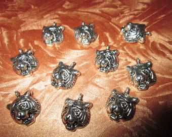 set of 10 metal tiger head charms silver 17 x 15 mm