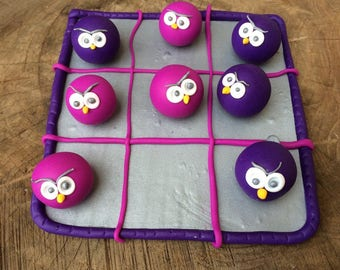 Tic Tac Toe game: purple owls against pink owls