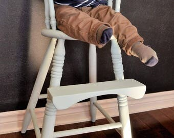 Chaise haute antique/Antique highchair