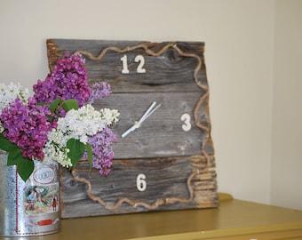 barn wood clock / wood recaimed/rustic/country/living room kitchen
