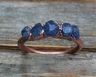 Raw sapphire ring / Blue sapphire ring / Rough gemstone ring / Raw gemstone / gift for her / September birthstone ring / Real sapphire