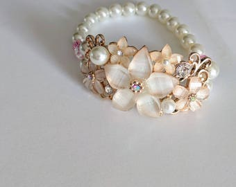Costume jewelry stretch bracelet rose gold and pearl