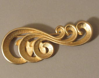 """Vintage Gold Tone """"Wave"""" Pin - by AJC"""